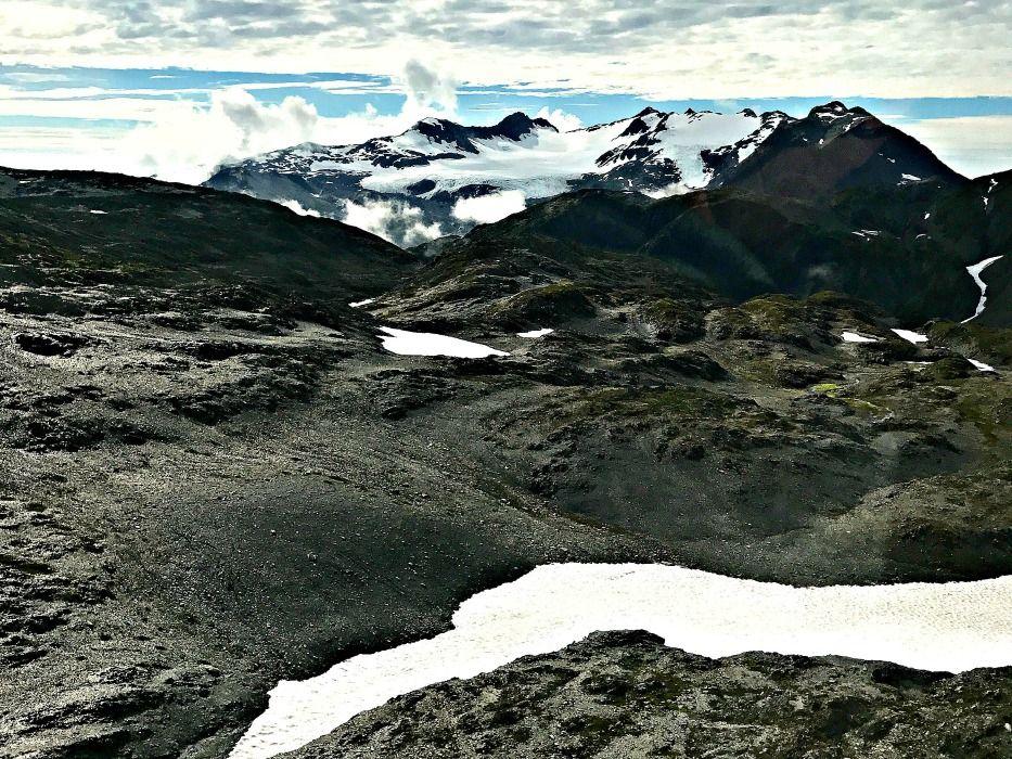 Alaska-summer-trip-helicopter-mountains