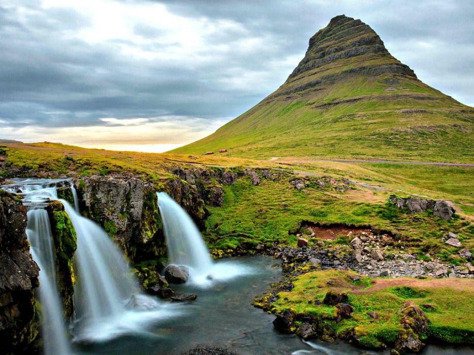 Iceland-vacation-Kirkjufell-mountain