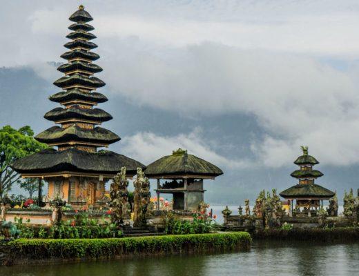 Bali Itinerary 7 days Pura Ulun Danu