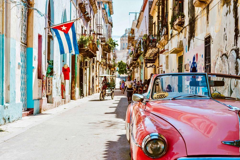 Warm Places in December Cuba