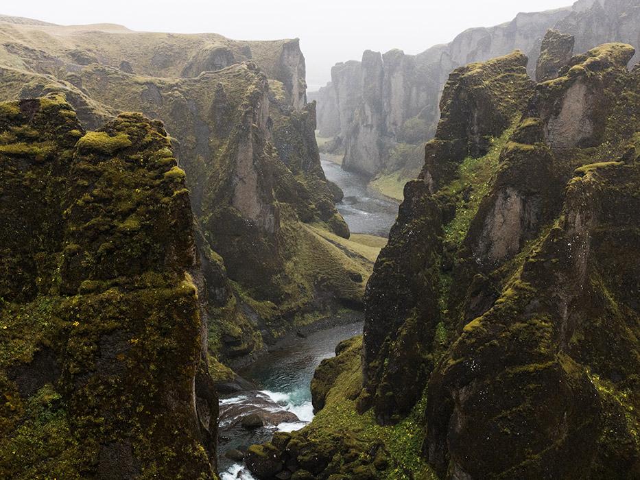 7 Day Iceland Itinerary Fjaðrárgljúfur Canyon